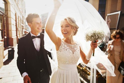 חליפות חתן, שמלות כלה – לבחור את המעצבים הנכונים