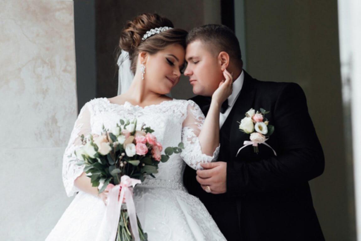 שמלות כלה וחליפות חתן במידות גדולות